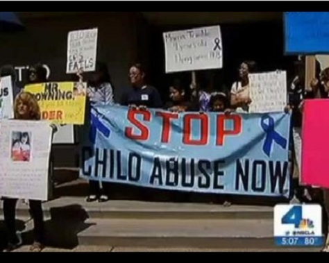 .jpg photo of protest at CPS headquarters