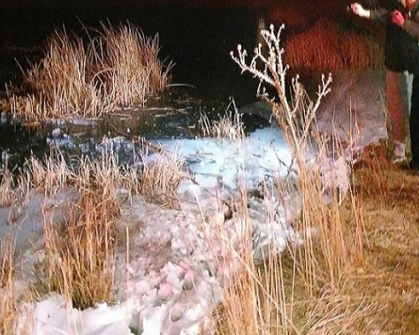 .jpg photo of frozen pond where child was saved by Law Enforcement